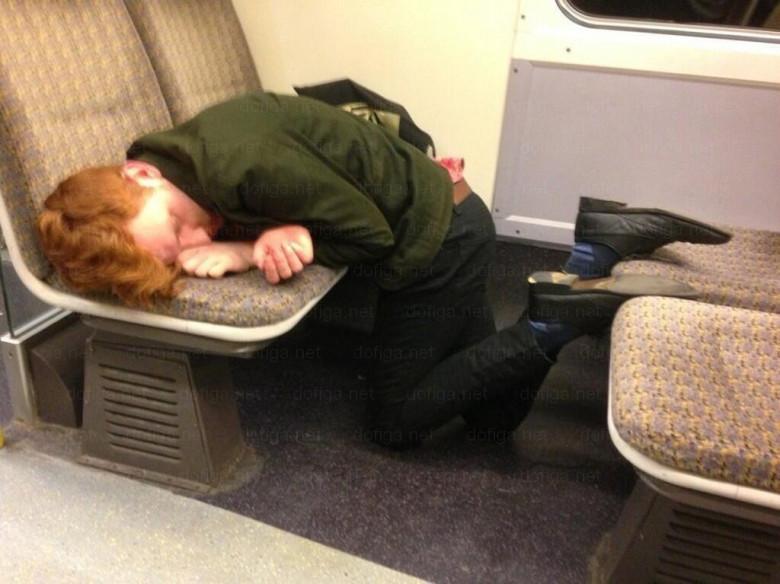 Картинки спящих людей прикольные